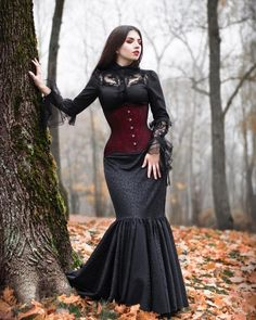 Angel After Dark. Top Gothic Fashion Tips To Keep You In Style. As trends change, and you age, be willing to alter your style so that you can always look your best. Consistently using good gothic fashion sense can help Gothic Girls, Hot Goth Girls, Gothic Art, Romantic Goth, Gothic Models, Victorian Goth, Goth Beauty, Goth Women, Gothic Outfits