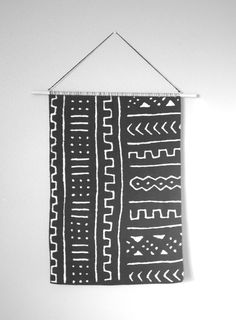 Large Mud Cloth Wall Hanging . Geometric Woven Tapestry . Black White Modern Wall Art . Weaving . Vintage MudCloth Wall Decor . Mid Century