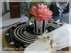 Fourchettes et Porcelaine: TABLE AMBIANCE CHANEL