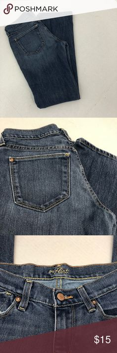 Old Navy The Flirt Jeans Size 1 Reg Medium Wash Old Navy The Flirt Jeans Size 1 Reg Medium Wash  Size-1  Inseam- 32 inches Waist laid flat across- 14 inches Rise- 8 inches Old Navy Jeans Boot Cut