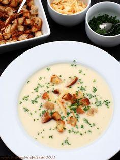 Chili und Ciabatta: Zwiebelsuppe mit Käse und Croûtons