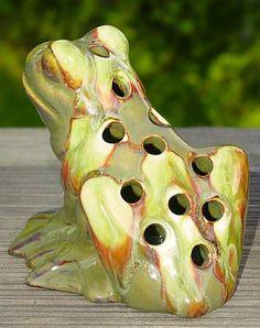 Haeger Flower Frog by haegernerd, like mine! Mccoy Pottery, Vintage Pottery, Pottery Art, Vintage Flowers, Vintage Floral, Frog Crafts, Flower Holder, Flower Frog, Frog And Toad