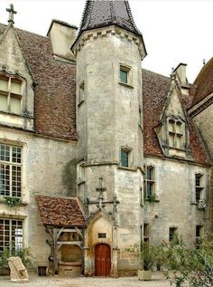 Châteauneuf en Cote d'Or (Bourgogne), France