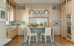 Suzanne Tucker traditional style kitchen