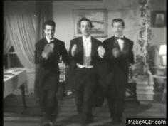 Tin Tan El Revoltoso baila mambo