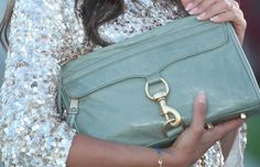 Love this Rebecca Minkoff bag Philippines Fashion, Fashion Bags, Fashion Fashion, Fashion Addict, Handbag Accessories, Spring Summer Fashion, Rebecca Minkoff, Style Inspiration, Jewels