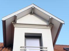La société Coquard assure la pose de planches de rive alu et pvc pour habiller votre toit. Interventions département 69 et partout en France.