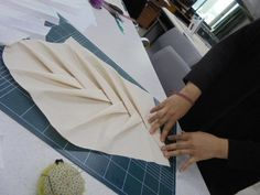 Origami pattern fashion 30 ideas for 2019 Blouse Patterns, Clothing Patterns, Sewing Patterns, Sewing Clothes, Diy Clothes, Sewing Hacks, Sewing Tutorials, Sewing Tips, Moda Origami