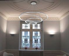 Auf den ersten Blick spiralenförmig, präsentiert sich die TOCCATA als faszinierendes Lichtobjekt, das durch die raffinierte Kombination von 5 LED Ringleuchten aus jedem Blickwinkel heraus, immer wie…