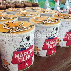 Lata de batata do Snoopy #Snoopy #snoopyparty #decoracaoinfantil #festademenino…
