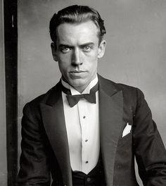 Harlan Randall of the Washington Opera in 1925 Perfect collar and tie.