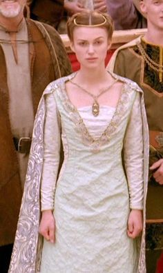 dress necklace circlet character Princess of Thieves