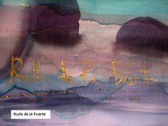 Mariposas de Ruth de la Puerta. スパニシュデザイナーのシルクのファッション。手で描いたフラール