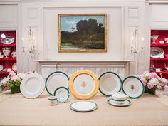 The new Obama white House china service, Kailua Blue. The eleven-piece setting for 320 was manufactured in the Obamas' home state of Illinois by Pickard China of Antioch.