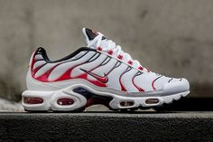 Nike Air Max Plus Tuned 1 Kombat. The Fall season has lead us to yet another pair of the Nike Air Max Plus Tuned 1 landing overseas. Nike Air Max Plus, Nike Air Max Tn, Tn Nike, Cheap Nike Air Max, Air Max 90, Nike Kicks, Air Max Sneakers, Sneakers Shoes, Roshe Shoes