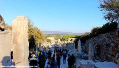 Uma das principais ruas de Éfeso