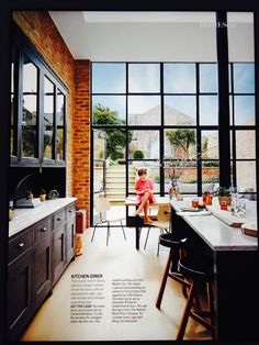 Dining room inspiration: especially like the exposed brick and 'crittall' windows/doors Hells Kitchen, Kitchen Units, New Kitchen, Kitchen Ideas, Crittal Doors, Crittall Windows, Steel Frame Doors, Kitchen Diner Extension, Kitchen Family Rooms