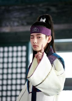 Taehyung: You better watch every episode of Hwarang I'm watching you ARMY ☝ ❤ #BTS #방탄소년단