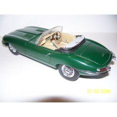 FRANKLIN MINT PRECISION MODELS 1961 JAGUAR E-TYPE 1:24 SCALE DIE CAST CONVERTIBLE