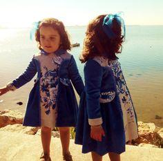 Vestido niña.Micropana Azul añil y sarga por Moniquesthingsshop