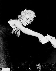 Marilyn Monroe in Korea, 1954.