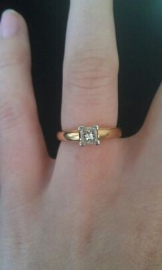 Solitaire in Yellow Gold