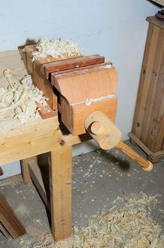 how to make a wooden vise