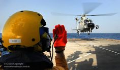 Chinese helicopter lands on HMS Cornwall (by Defence Images, via Flickr)