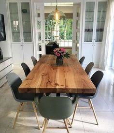 Esstisch | Massivholztisch | Holztisch | Eichentisch | Baumkante | Baumtisch | Holzwerk-Hamburg