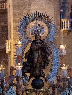 """Procesion de la """"Pura y Limpia"""" del Postigo, Sevilla. Festividad de la Inmaculada"""