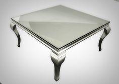 Nydelig sidebord/salongbord i rustfritt stål med herdet glassplate på toppen for god beskyttelse. https://classic-living.no/collections/bord/products/florence-salongbord-1