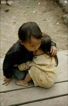 Kinder in Nepal nach dem Erdbeben