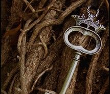 I love this! I've wanted a key tattoo for a while + I love crowns / crests