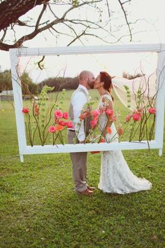 Top 11 ideas for organizing the Wedding Photo Zone - Hochzeit - DIY Wedding Frames, Diy Wedding, Rustic Wedding, Wedding Flowers, Dream Wedding, Wedding Day, Hawaii Wedding, Trendy Wedding, Wedding Ceremony