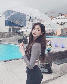 Girl Photo Poses, Girl Photography Poses, Korean Beauty, Asian Beauty, Girl Pictures, Girl Photos, Pretty Korean Girls, Girl Korea, Ulzzang Korean Girl