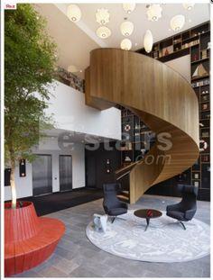 """Eestairs est le leader dans la fabrication d'escaliers sur-mesure haut gamme. """"Fort de nos 20 années d'expérience, nos designers vont étudier votre projet afin que votre rêve devienne réalité. Nous proposons également une large gamme d'escaliers.""""  Plus d'infos: http://www.umanitii.com/eestairs-escaliers"""