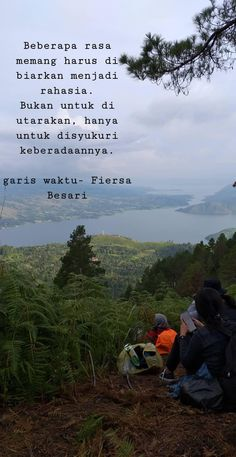 Quotes Rindu, Text Quotes, People Quotes, Mood Quotes, Qoutes Of The Day, Hiking Quotes, Quotes Galau, Wallpaper Quotes, Islamic Quotes