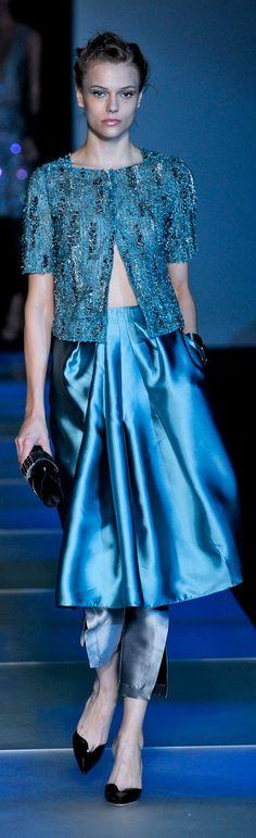 Giorgio Armani at Milan Fashion Week Spring 2012 - Runway Photos Armani Prive, Armani Collection, Yves Saint Laurent, Valentino, Couture Fashion, Milan Fashion, Glamour, Nice Dresses, Amazing Dresses