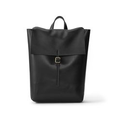 Backpack full Black in buffalo and cow leather. Minimalist designs, made to last! www.cueroandmor.com