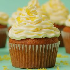 recipes videos Vegan Lemon Cupcakes Light and spongey vegan lemon cupcakes with lemon buttercream frosting. Packed with lemon flavor, deliciously moist and super simple to make. Vegan Cupcake Recipes, Vegan Cupcakes, Vegan Desserts, Mango Cupcakes, Vegan Recipes, Strawberry Desserts, Lemon Buttercream Frosting, Frosting Recipes, Vegan Frosting