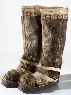 Man's boot, sealskin/fur. Yuit (Siberian Yupi'k). St. Lawrence Island. 1910-1920.
