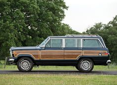 Fiat Chrysler Automobiles has promised to show the Jeep Grand Wagoneer to dealers this summer, reviving a nameplate that has been dead for over 20 years. Jeep Wagoneer, Subaru Wrx, Four Wheel Drive, Love Car, Jeep Grand, Rear Window, My Ride, Automatic Transmission, Wood Paneling