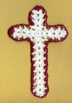 The crochet cross ornament bookmark is made of new size thread It can be used as an ornament on your Christmas tree then packed away for use year after year Crochet Cross, Filet Crochet, Double Crochet, Crochet Christmas Ornaments, Free Pattern, Projects To Try, Crochet Patterns, Diy Crafts, Symbols