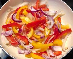 Gołąbki po meksykańsku - Blog z apetytem Caprese Salad, Pasta Salad, Salsa, Cabbage, Vegetables, Ethnic Recipes, Blog, Crab Pasta Salad, Cabbages