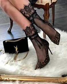 Love the stockings with these heels! 🔥