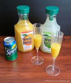 A kid friendly, non-alcholhic version of the classic Champagne Mimosas. Brunch Drinks, Brunch Party, Fruit Drinks, Easter Brunch, Virgin Mimosa Recipe, Best Non Alcoholic Drinks, Brunch Punch Non Alcoholic, Virgin Drinks, Party