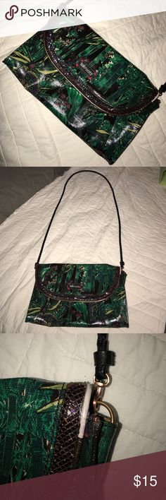 Sak Roots crossbody There is 1 area that shows wear. Shown in picture. Otherwise very good condition! sak roots Bags Crossbody Bags
