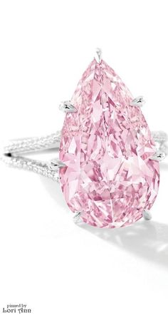 Fancy Vivid Pink Diamond auctioned by Sotheby