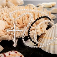 Pearl Cross Pendant Necklace Effect Photo