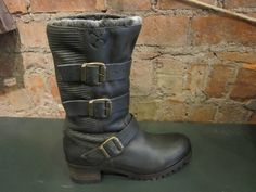 Goldmud this time, these boots have gotta be tried on to be believed, super-soft leather uppers and faux fur lining, with a grip that wont let you down all winter long €199.95